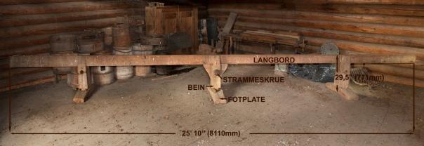Dette er den lengste benken på Skårvoll. Hovedmål er påført bildet. Foto: Freia Beer.