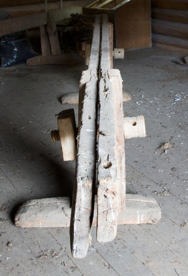 S.K.Å 652 A. Legg merke til den løse gjengeklossen på baksiden. Skruen og klossen kan enkelt flyttes mellom benkene etter behov. Foto: Freia Beer