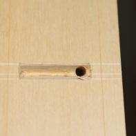 Her ser ein første holet som er bora gjennom. Foto: Roald Renmælmo