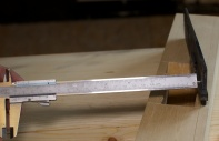 Det vesle stålet byggjer 4 mm djupare enn det store stålet. Foto: Roald Renmælmo