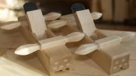 Handtaka er ferdige og slått på plass. Høvelen står saman med nothøvelen som også er ferdig. Foto: Roald Renmælmo
