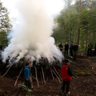 Tjæremila på Ala i 2012. Mila vart brent i regi av UL Freidig. Foto: Roald Renmælmo