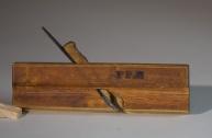 """Staffhøvel med platte. Høvelen er 8 ¼"""" lang og merka med PP.N. Foto: Roald Renmælmo"""