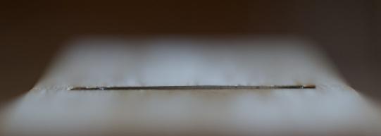 Egglinja er slipt slik at når høvelstålet står ut ca 0,4 mm midt på så ligg hjørna akkurat under planet på sålen. Foto: Roald renmælmo