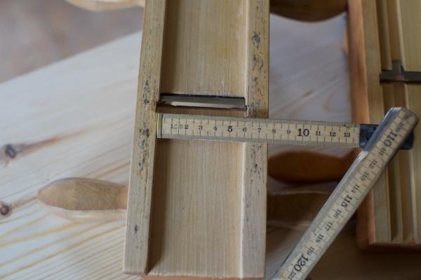 Denne skottoksen har meiar som er laga av same stykke som høvelstokken. Det er også vanleg at desse er nagla, limt eller spikra på sidene på ein vanleg okshøvel. Foto: Roald Renmælmo