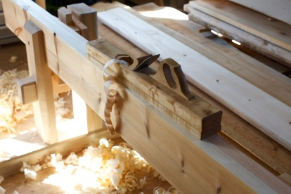 Ein finstilt og bein langhøvel er eit viktig verktøy å ha for handa når ein skal rette langborda. Foto: Roald Renmælmo