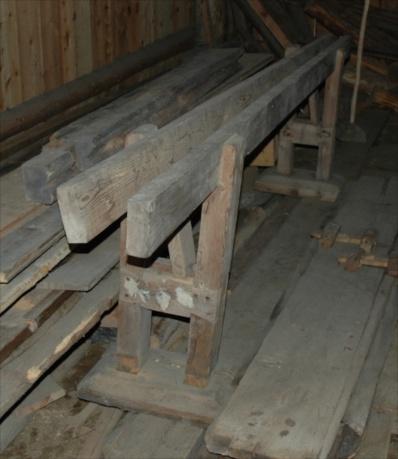 Skottbenk på Nordfjord folkemuseum i Sandane. Foto: Peter Helland Hansen