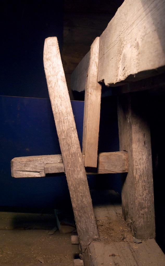 Spenntapp som låser dei to føtene saman. Foto: Jørn Ulven / Niels J. Røine