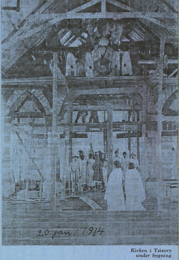 Kirken i Tsivory på Madagaskar under bygging 20. januar 1914.