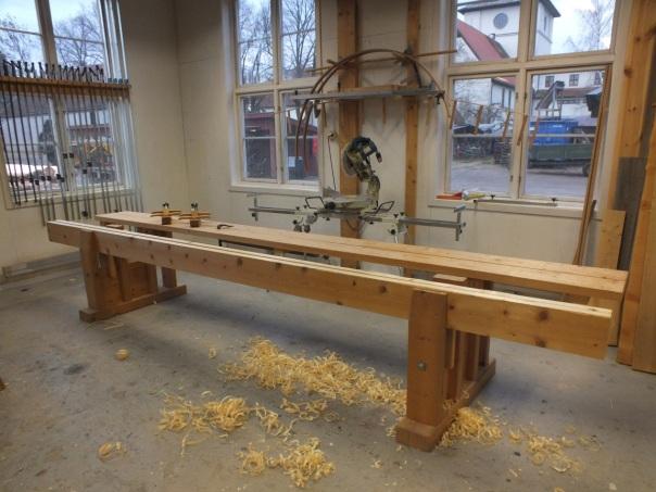 Denne benken ble laget under en samling på Røros i 2010, det var under denne samlingen at ideen om Norsk Skottbenkunion ble unnfanget. Foto: Ole Jørgen Schreiner