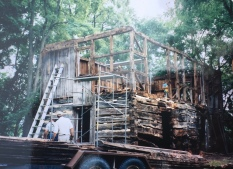 The Aslak Lie house during dismantling from the original site.