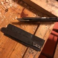 Sett med stål til golvplogar